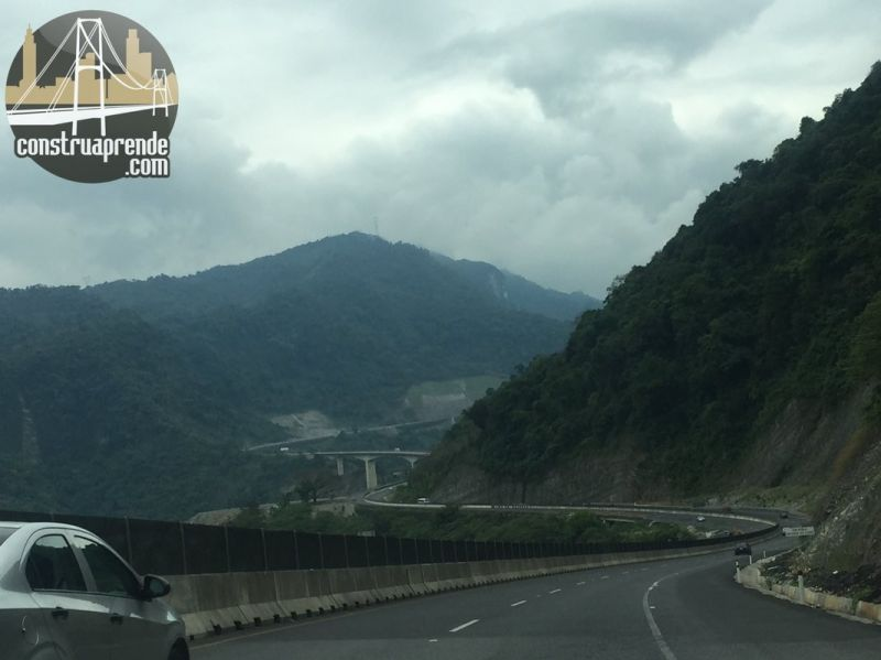 carretera-mexico-tuxpan-1_1067x800